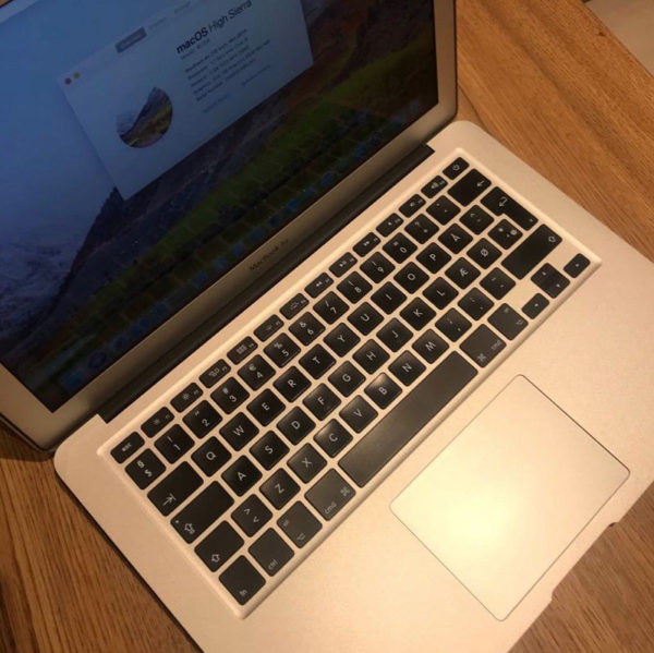 """MacBook Air 13"""" 2"""