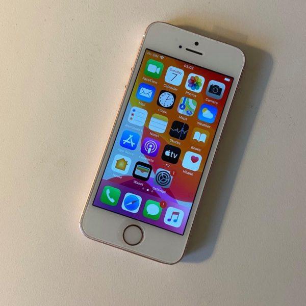 IPHONE SE 16 GB 1