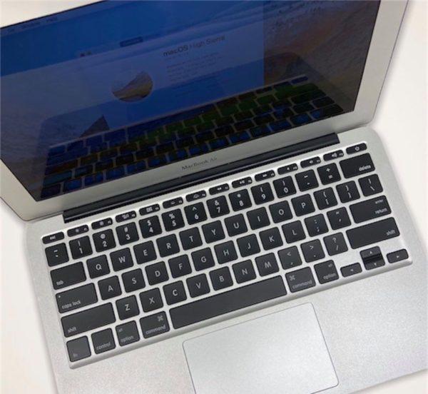 """MacBook Air 11"""" 2010 2"""