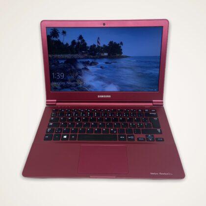 Лаптоп Samsung